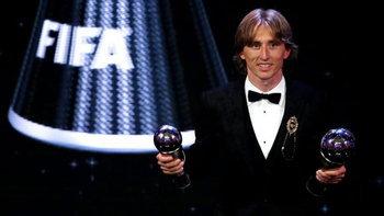 """บทสรุป the Best FIFA """"โมดริช"""" ซิวแข้งยอดเยี่ยม, """"ซาลาห์""""สอยรางวัลประตูสุดสวย"""