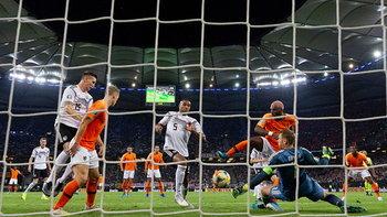 รัวยิงท้ายเกม! ฮอลแลนด์ บุกซัด เยอรมนี คาบ้าน 4-2 คัดยูโร 2020