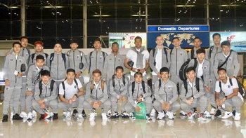 พร้อมสู้! แข้งทีมชาติไทย ออกเดินทางสู่ อินโดนีเซีย ลุยศึกคัดบอลโลก 2022