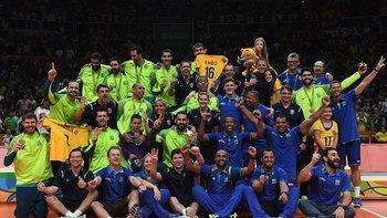 """ตบกระจาย! """"บราซิล"""" คว่ำ """"อิตาลี"""" 3-0 ซิวทองลูกยางชายอลป."""