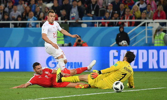 """""""ชาคิรี่"""" ฮีโร่! สวิตเซอร์แลนด์ เฮนาทีสุดท้ายพลิกแซง เซอร์เบีย 2-1"""