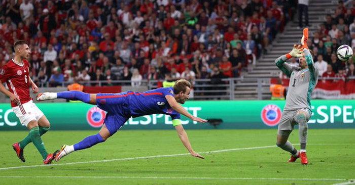อังกฤษ บุกอัด ฮังการี 4-0 นำฝูงกลุ่มไอ เหนียวเเน่น ศึกคัดบอลโลก