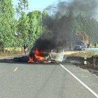 ไฟไหม้รถกระบะบรรทุกฟางข้าว