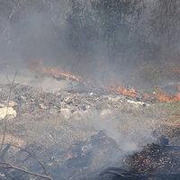 ไฟไหม้บ่อขยะลุกลามเป็นวงกว้าง