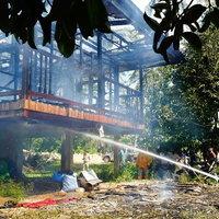 ไฟไหม้บ้านลุงวัย 56 ขณะนอนหลับ
