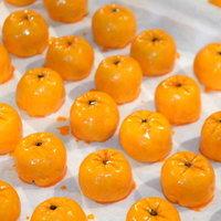 ส้มมงคลทำจากขนมเปี๊ยะไส้ไข่เค็ม รสชาติเหมือนส้มเป๊ะ