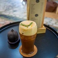 ชิมกาแฟ กินอาหาร ชมศิลป์ คาเฟ่หอศิลป์หนึ่งเดียวในพัทยา