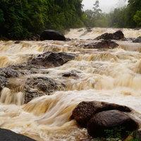 ฝนตกหนักเฝ้าระวังน้ำป่าไหลหลากบริเวณน้ำตก 24 ชั่วโมง