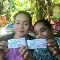 สองศรีพี่น้องดวงเฮง แบ่งซื้อลอตเตอรี่คนละใบ ถูกรางวัลใหญ่รับคนล่ะ 6,000,000