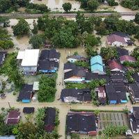 อ่วม! น้ำท่วมสูง 5 อำเภอริมทะเลสาบ ขณะที่ฝนตกหนักสมทบ