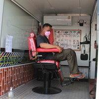 แปลงโฉมรถกระบะเป็นร้านตัดผมเคลื่อนที่ เดลิเวอร์รี่บริการถึงบ้าน