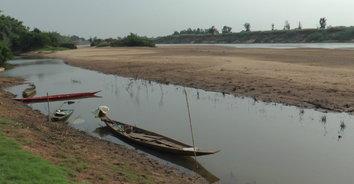 ปีนี้มาไว! ภัยแล้งส่งผลให้ปริมาณน้ำชีแห้งขอดเป็นช่วงๆ