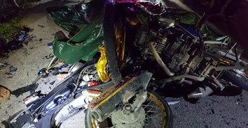 ตู้มสนั่น! รถจักรยานยนต์ชนประสานงาเสียชีวิต 2 ราย
