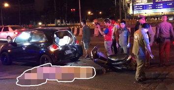 หนุ่มซิ่งจักรยานยนต์ลืมเบรก พุ่งชนท้ายรถเก๋งติดไฟแดงจนเสียชีวิต