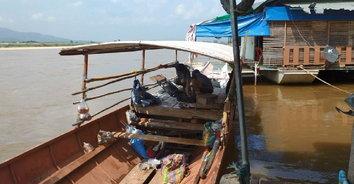 ชุลมุน! แก๊สรั่วทำไฟไหม้เรือโดยสารข้ามแม่น้ำโขงไทย-ลาว เจ็บ 8 ราย