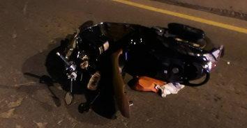หนุ่มลำปางสุดซวย ขี่รถล้มบาดเจ็บ เจ้าหน้าที่ปฐมพยาบาล เจอยาบ้าร่วงกราว