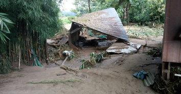 น้ำป่าไหลหลากที่บ้านแพมบก สะพาน-แหล่งท่องเที่ยวเสียหาย