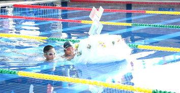 สุดฮา! พิธีเปิดแข่งขันว่ายน้ำที่ไม่เหมือนใคร ทั้งลุ้นทั้งเหนื่อยกว่าจะเปิดงานได้