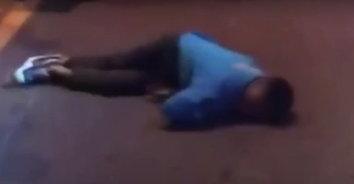 เด็กแว้นควบ จยย.ชนท้ายกันล้มคว่ำกลางถนน เด็ก 13 ดับ1สาหัส 1