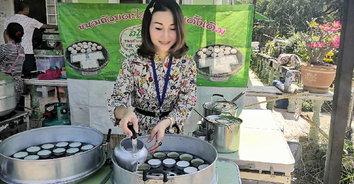 """""""ขนมถ้วยตะไล"""" ขนมไทยต้นตำรับดั้งเดิม การันตีความใหม่สดทุกวัน"""