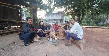 เลยหนาวมาก! ชาวบ้านนั่งผิงไฟ-ยอดภูคึกคัก นทท. แห่ชมพระอาทิตย์ขึ้น