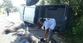 อุทาหรณ์! รถหักหลบกองข้าวตากบนถนน ดับ 2 สาหัส 2