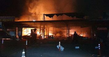 เพลิงไหม้ร้านเครื่องเสียงรถยนต์ภายในตลาดพูนทรัพย์เสียหาย คาดไฟฟ้าลัดวงจร