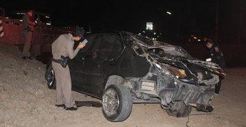 รถเก๋งชนท้ายสิบล้อ เจ้าของเพจดังตายคาที่-ลูกเมียเจ็บหนัก