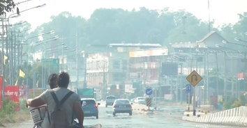 ชาวนาอ่างทองไม่สนคำเตือนเผานาต่อเนื่อง ส่งผลให้ PM 2.5 พุ่งสูง!