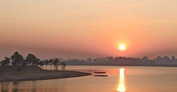 ชมนกดูพระอาทิตย์ตกน้ำที่บึงตะเครง ปอดแห่งใหม่ของพิษณุโลก