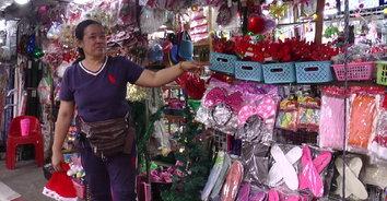 เจ้าของร้านนั่งงง คนร้ายแต่งตัวดีซื้อหมวกซานตาคลอสไม่จ่ายเงิน