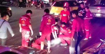 ถนนมรณะ! หญิงสาวเดินข้ามถนน ถูกรถยนต์เฉี่ยวชนทับร่างเสียชีวิต