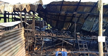 ไฟไหม้ บ้านพักคนงาน.(แคมป์) วอด 16 ห้อง รถ 4 คัน บาดเจ็บ 2 ราย