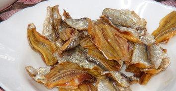 ดีต่อใจ! แวะซื้อปลาเค็ม–ปลาหวานตากแดด ฝีมือนักเรียนทำเองเพิ่มรายได้