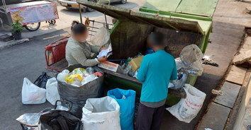คนเก็บขยะโอด เพราะไร้การศึกษา เลยไม่เคยได้รับการช่วยเหลือเยียวยาจากภาครัฐ
