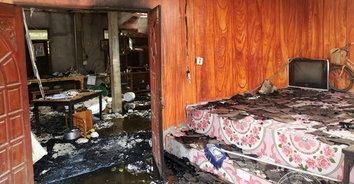 ช็อค! จยย.ไฟช็อตตักน้ำมาดับไฟ เกิดไฟลุกไหม้บ้านวออดเกือบทั้งหลัง