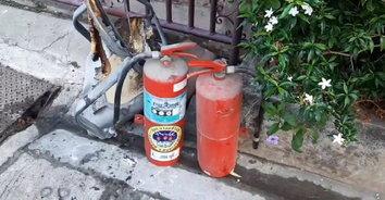 หวิดย่างสด! แก๊สระเบิดเปลวไฟลวก 3 ชีวิต ผัวเมียหลานวัย 8 ขวบ