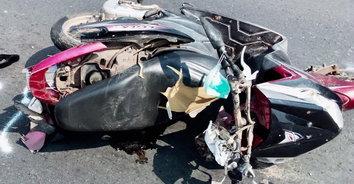ลุงดวงกุด! หนุ่มใหญ่หลับในพุ่งชนรถจักรยานยนต์ลุงวัย 65ปี เสียชีวิตคาที่