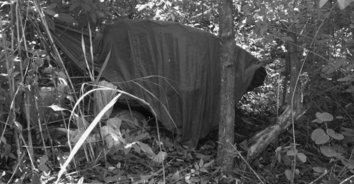 พบศพพระธุดงค์นอนมรณภาพ ในป่าละเมาะข้างทาง