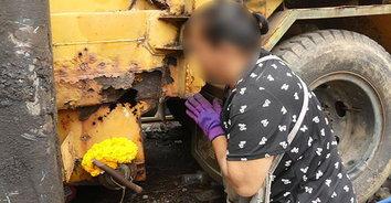 เลขเด็ด! ผึ้งหลวงทำรังในรถเก็บขยะ ชาวบ้านแห่ตีหวย