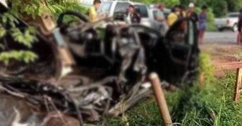สุดเศร้า! รถคว่ำสยองหลังพาศพญาติกลับมาฝังสุสานเสียชีวิต 3 ราย