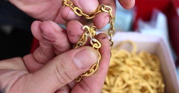 ทองราคาแพง! มิจฉาชีพนำทองปลอมชุบเงินมาจำนำกว่า  376 บาท สูญเงินกว่า 9,000,000
