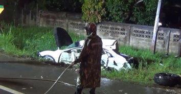 สุดสลด! พ่อไปลูกรถเกิดเสียหลักถูกชนตาย 2 เจ็บ 4