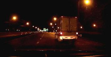 ภัยสังคม! สาวขับรถกลับบ้าน ถูกรถกระบะขับปาดหน้าก่อกวน ทั้งที่ไม่รู้จักกัน