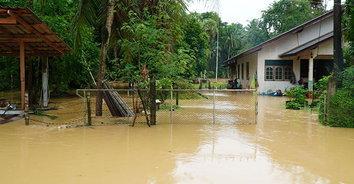ปัตตานีอ่วม! น้ำท่วม 2 อำเภอ กระทบประชาชน 40,000 ราย