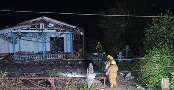 ธรณีสะเทือน บ้านเรือนกระจุย! พลุระเบิดตู้มสนั่นหวั่นไหว เศษเนื้อคนกระจาย ตาย 5