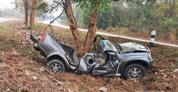 อุบัติเหตุสยอง! ฝนหลงฤดู รถชนสองรายตาย 3 ศพ