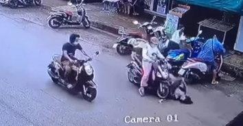 แผนลวง ชวนสยอง! สาวใจร้ายผลักหญิงล้มกลางถนนให้รถชน