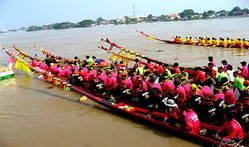 การแข่งขันเรือยาวประเพณี สิงห์บุรี