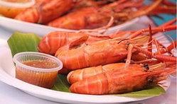 10 ตลาดน่าเดินเที่ยว เดินชอป ฮอตที่สุดในเมืองไทย
